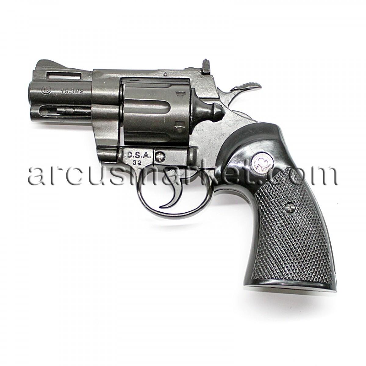 Револьвер Питон 2. Магнум, США, 1958., ММГ копия